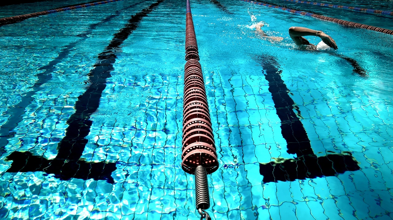 Swim training for bellyak